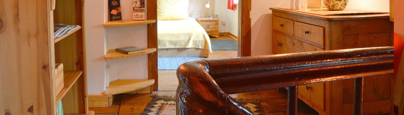 Flur mit Blick ins Doppelzimmer